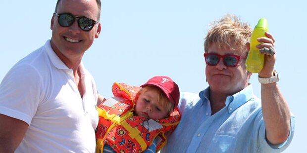 Elton John doch nicht frischgebackener Papa