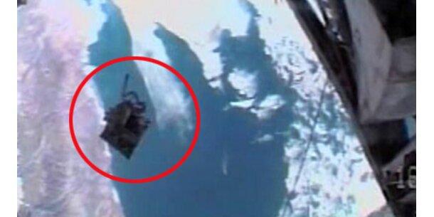 Astronautin verlor im All Werkzeugtasche