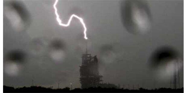 Blitzeinschlag: Shuttle-Start verschoben