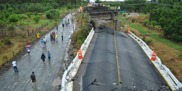 Schwere Erdbeben in Mexiko und Pakistan