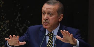 Erdogan tauscht 10 Minister aus