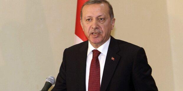 Kampfjets jagten Erdogans Maschine