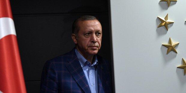 Erdogan in Moschee zusammengebrochen