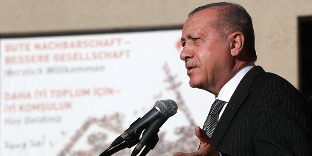Moody's stuft Türkei herab: Ausblick