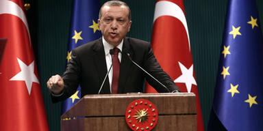 Erdogan streitet Schüsse auf Flüchtlinge an Grenze ab