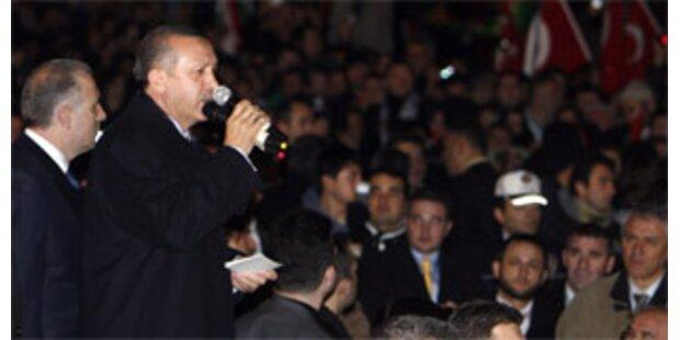 Erdogan in Türkei von Tausenden gefeiert