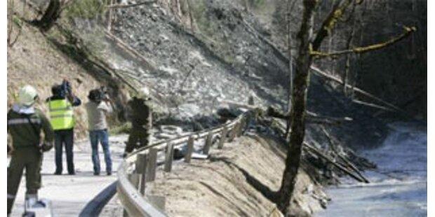 Erdrutsch oberhalb der Arlbergschnellstraße droht
