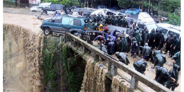 Erdrutsche auf Philippinen - 181 Tote