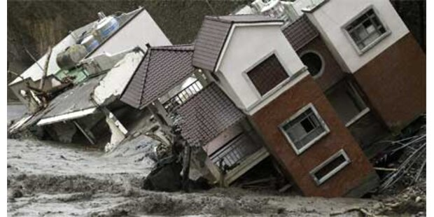 700 Vermisste nach Erdrutschen gerettet