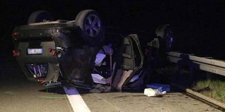 """""""Erlkönig"""" rast in Unfallauto - Ein Toter"""