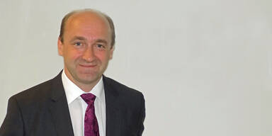 Ernst Huber geht mit neuer Direktbank in die Offensive