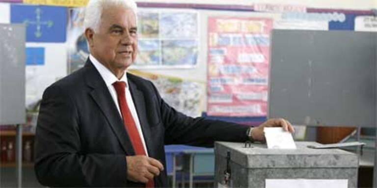 Hardliner Eroglu führt in Nordzypern