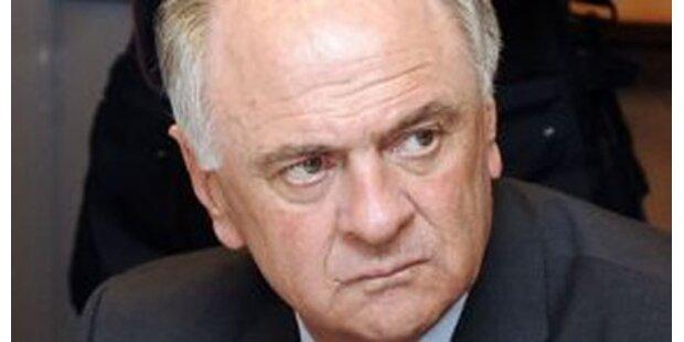 E. Pröll will mehr Personal für Polizei