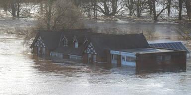 Schwere Überflutungen in England