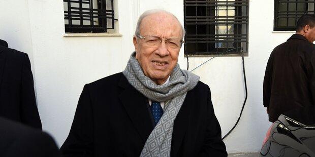 Essebsi siegt bei Tunesien-Wahl