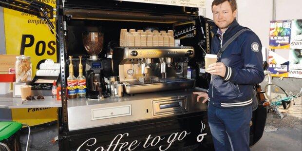 Cappuccino aus der rollenden Espresso-Bar