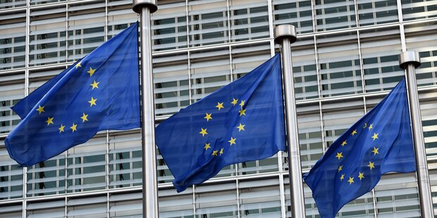 EU droht Google & Facebook mit Strafen