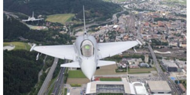 Bewaffnete Eurofighter sichern EURO-Luftraum