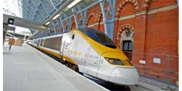 Passagiere saßen stundenlang in Eurostar-Zügen fest