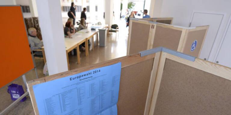 1. Hochrechnung: ÖVP vor SPÖ, Grüne vor NEOS