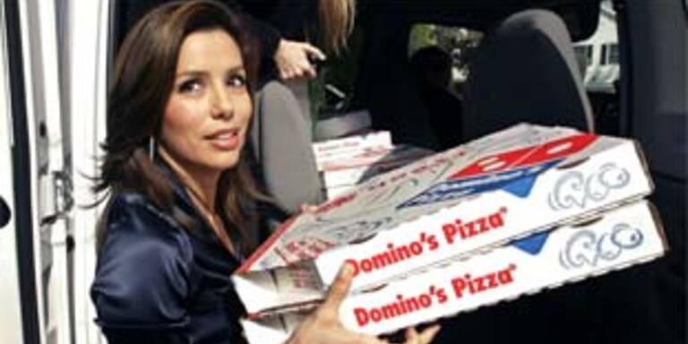 Eva Longoria bringt die Pizza