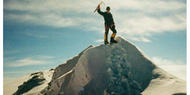 Nepalesen wollen Nackt-Rekorde auf Everest verbieten