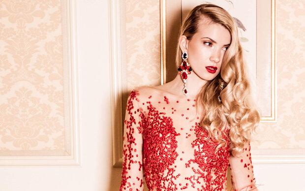 Miss Austria trägt Eva Poleschinski zur Miss World Wahl