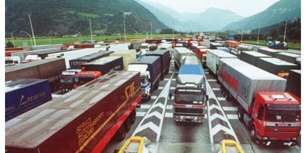 Österreichs Exporte über 100 Mrd. Euro