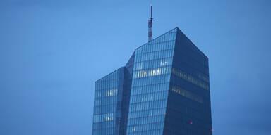 EZB erweiterte Kreditrahmen für Griechen