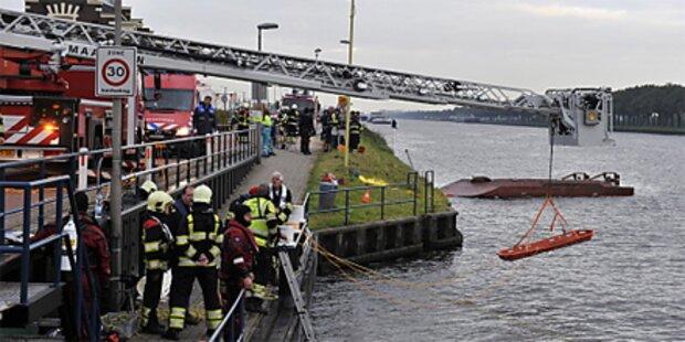 Frachter rammt Fähre in den Niederlanden
