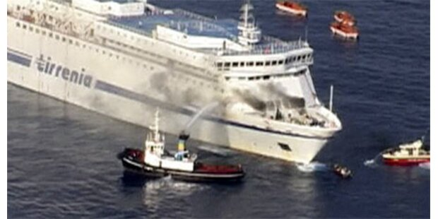Passagiere von brennender Fähre gerettet