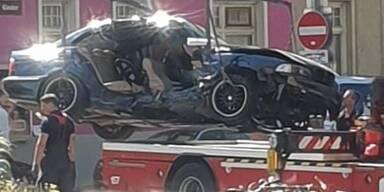 Schwerer Unfall in Wien: Polizeiwagen kracht in BMW - 7 Verletzte