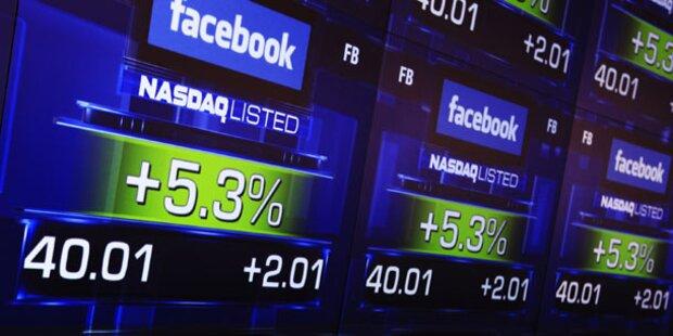 Facebook-Aktie steigt erstmals