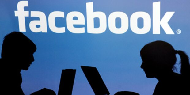 Jeder Zehnte macht per Facebook Schluss