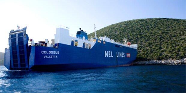 Griechische Fähre übersieht Insel