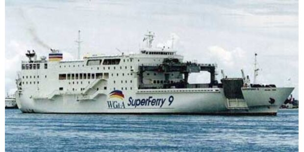 Fähre mit 1000 Menschen an Bord gesunken