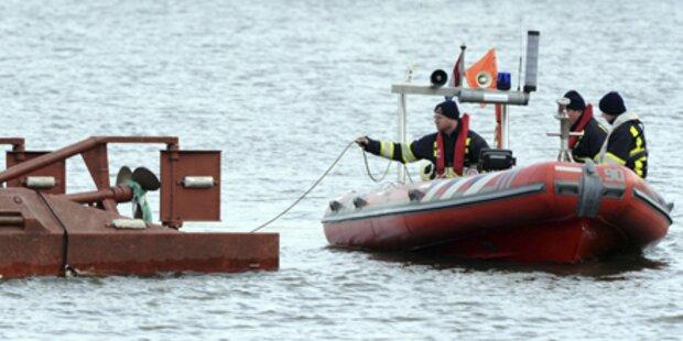 Frachter rammt Fähre - Leiche entdeckt