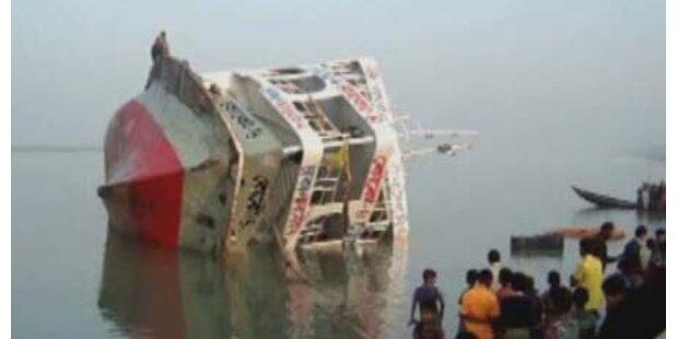 Fähre mit hunderten Passagieren gesunken