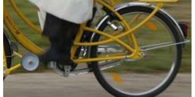 Radfahrerin stürzte kopfüber in die Glan