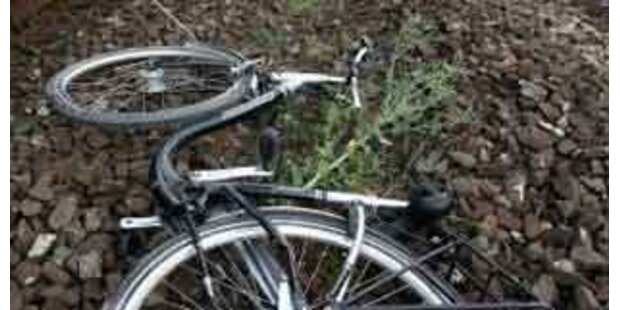 Radfahrerin in Ansfelden von Lkw getötet