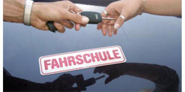 Weniger Unfallopfer durch Mehrphasen-Führerschein