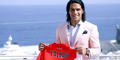 Hat sich Falcao 2 Jahre jünger gemacht?