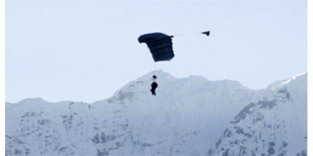 Skydiver springen über Mount-Everest ab