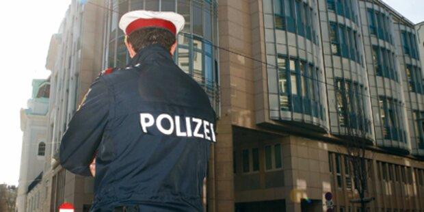 Falsche Polizisten klauten 8.000 Euro