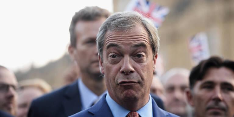 Rechter Brexit-Chef bricht erstes Wahlversprechen