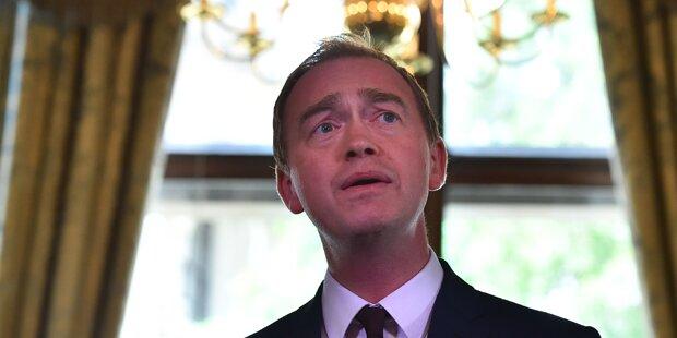 Nach Wahl: Liberalen-Chef Farron tritt zurück