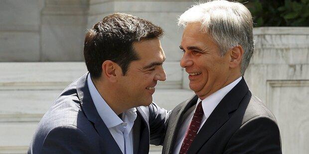 Kanzler greift jetzt Tsipras an