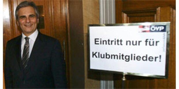 Faymann & Pröll zu Gast im anderen Parlamentsklub