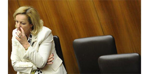 Fekter holt Zwillinge aus Kosovo zurück