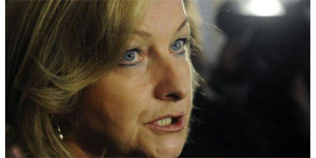 SPÖ zieht wegen Asyllager vor den Kadi